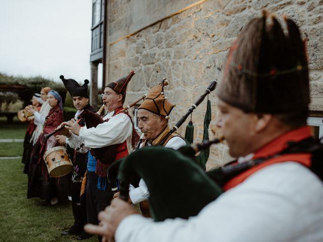 La boda de Javi y Miguel en Pontevedra, Pontevedra 22