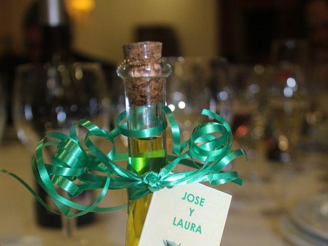 La boda de José Manuel y Laura en León, León 11