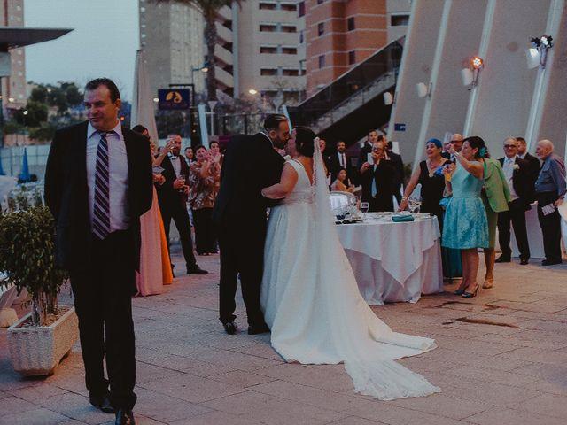 La boda de Isidro  y Carolina  en Benidorm, Alicante 16