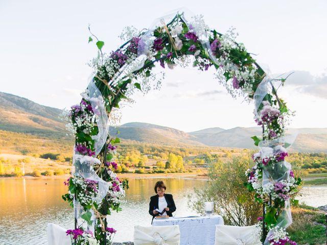 La boda de Borja y Lana en Pinilla Del Valle, Madrid 28