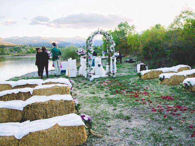 La boda de Borja y Lana en Pinilla Del Valle, Madrid 34