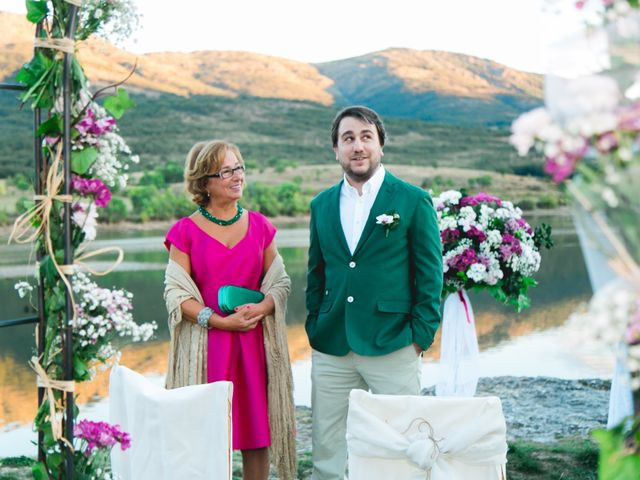 La boda de Borja y Lana en Pinilla Del Valle, Madrid 39
