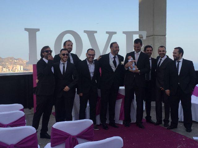 La boda de Isidro  y Carolina  en Benidorm, Alicante 5