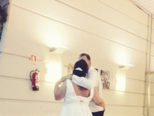 La boda de Isidro  y Carolina  en Benidorm, Alicante 13