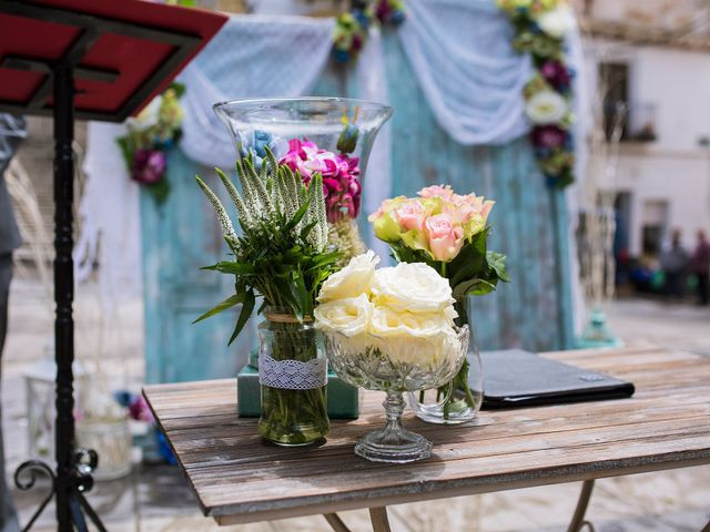 La boda de Cristian y Gloria en Cullar, Granada 27