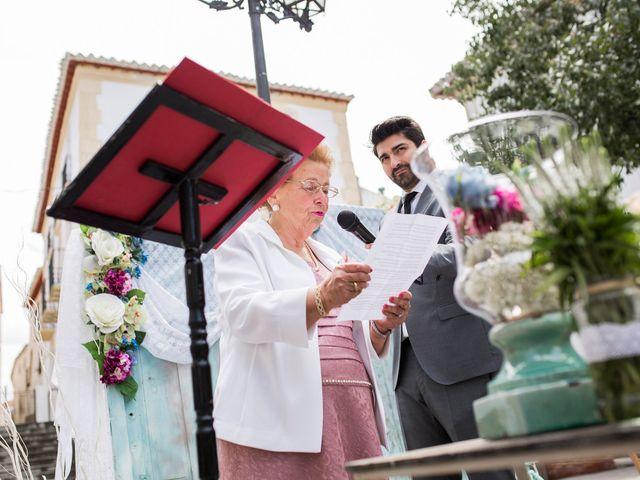 La boda de Cristian y Gloria en Cullar, Granada 29