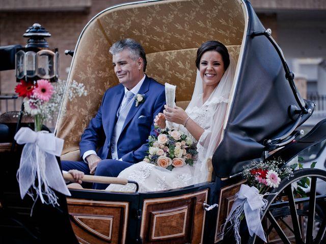 La boda de Angel y Noelia en Castelló/castellón De La Plana, Castellón 21