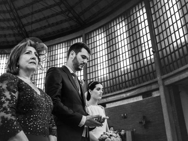 La boda de Rodrigo y Raquel en Madrid, Madrid 16