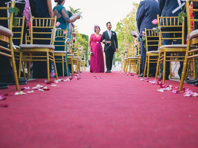 La boda de Adrián y Lourdes en Motril, Granada 22