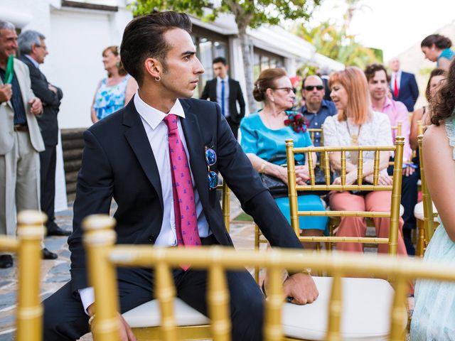 La boda de Adrián y Lourdes en Motril, Granada 25