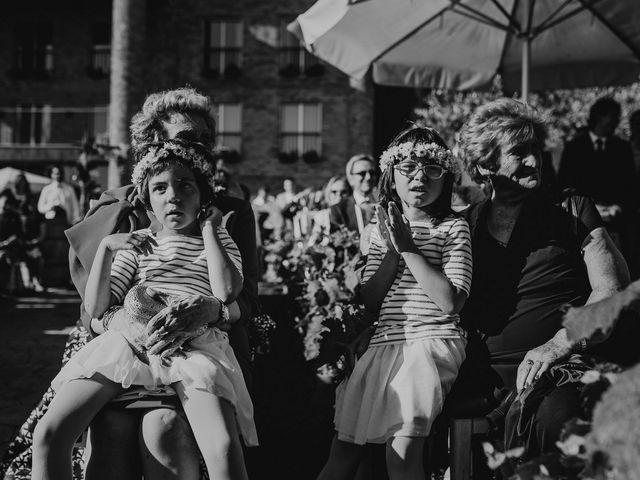 La boda de Cesar y Laia en Bilbao, Vizcaya 40
