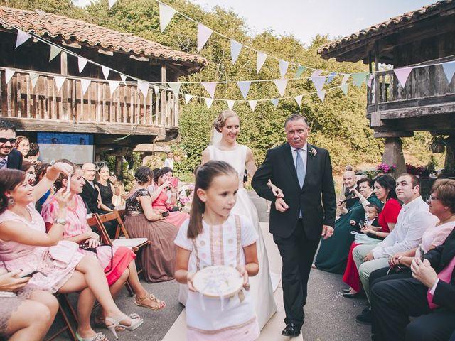 La boda de Rafa y Laura en Ribadesella, Asturias 23