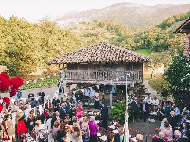 La boda de Rafa y Laura en Ribadesella, Asturias 40