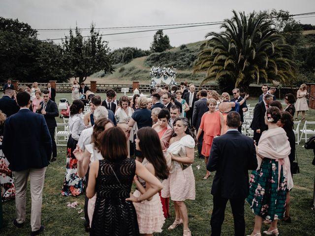 La boda de Héctor y Ana en Gijón, Asturias 136