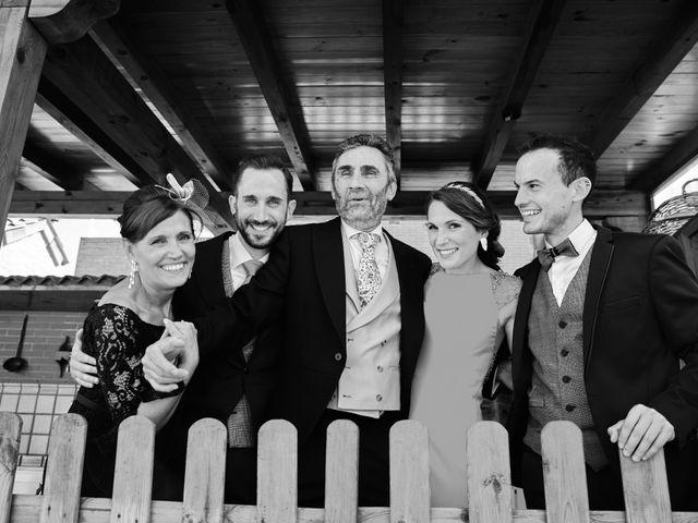 La boda de Jose Manuel y Leticia en Soto De Viñuelas, Madrid 19