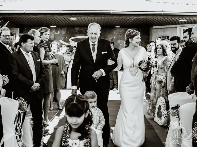 La boda de David y Mari Carmen en Medellin, Badajoz 14