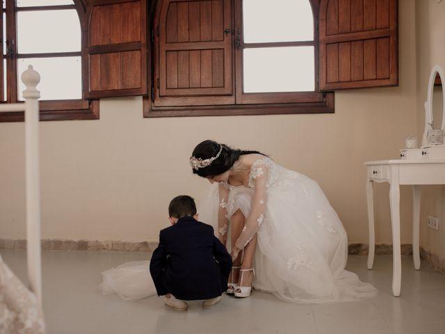 La boda de Víctor y Laura en Los Barrios, Cádiz 39