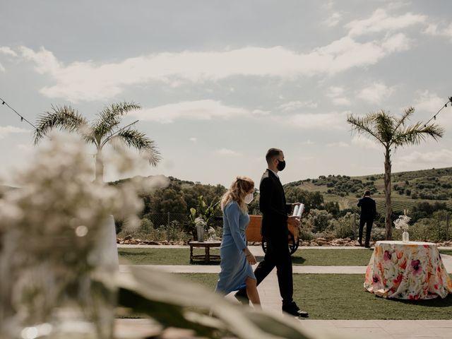 La boda de Víctor y Laura en Los Barrios, Cádiz 61