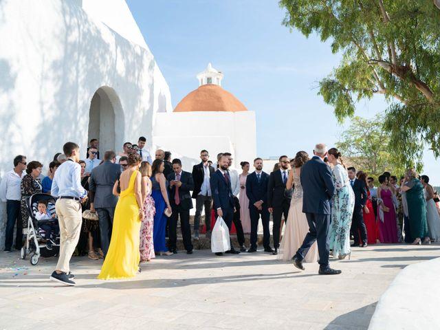 La boda de David y Laura en Santa Eularia Des Riu, Islas Baleares 15
