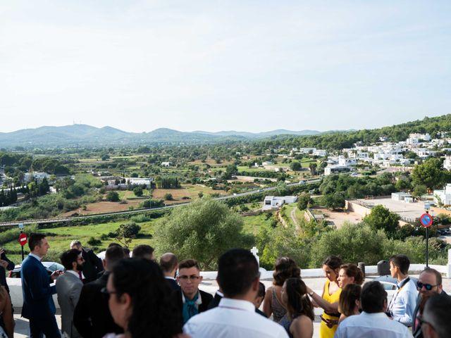 La boda de David y Laura en Santa Eularia Des Riu, Islas Baleares 29