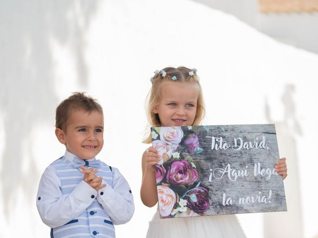 La boda de David y Laura en Santa Eularia Des Riu, Islas Baleares 28