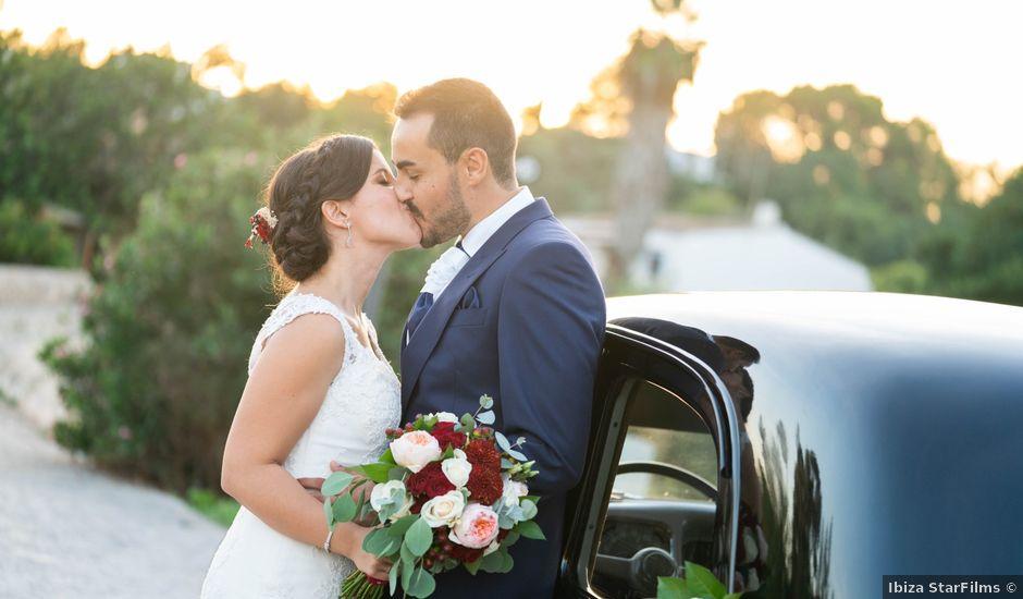La boda de David y Laura en Santa Eularia Des Riu, Islas Baleares