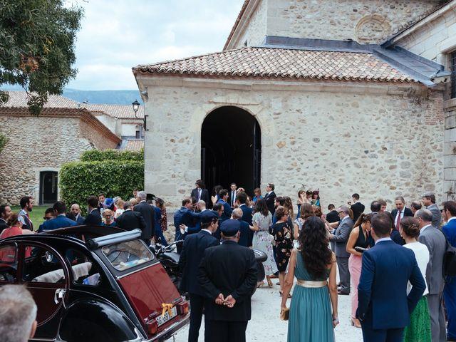 La boda de Borja y Vero en Rascafria, Madrid 27