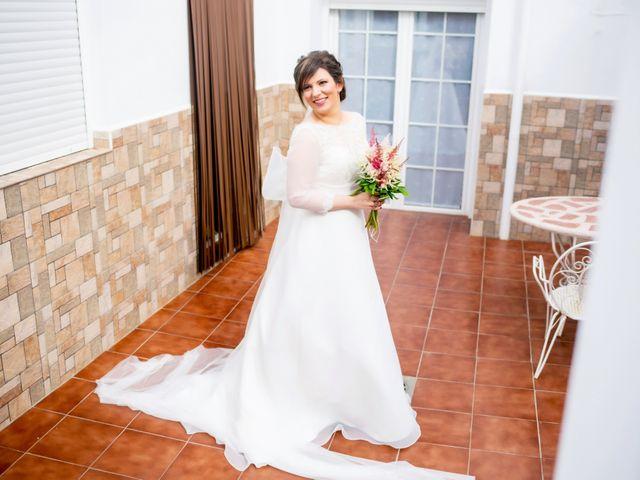 La boda de Juan Jose y Miriam en Villafranca De Los Barros, Badajoz 12