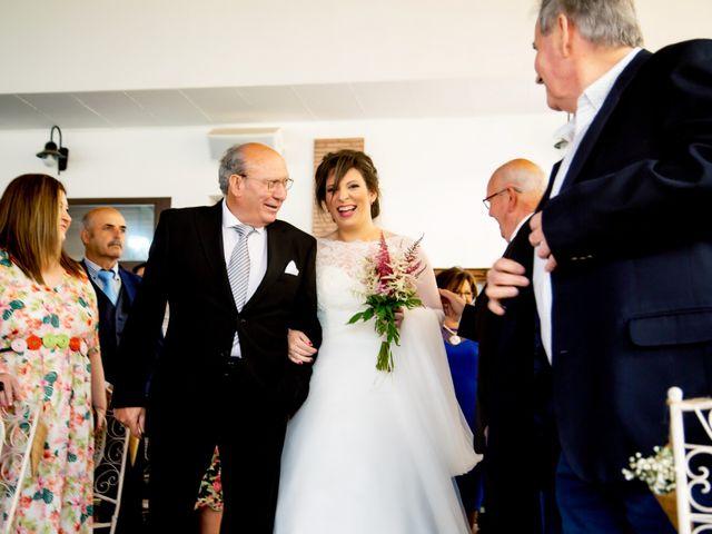 La boda de Juan Jose y Miriam en Villafranca De Los Barros, Badajoz 16