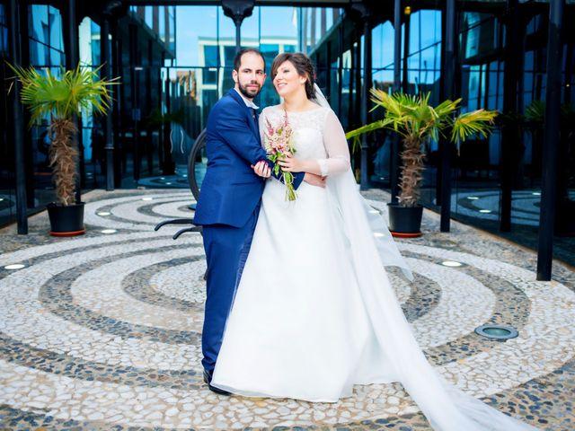 La boda de Juan Jose y Miriam en Villafranca De Los Barros, Badajoz 24