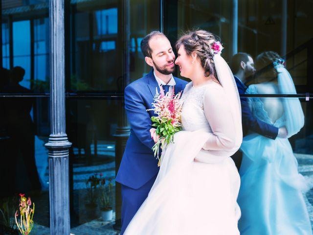 La boda de Juan Jose y Miriam en Villafranca De Los Barros, Badajoz 25