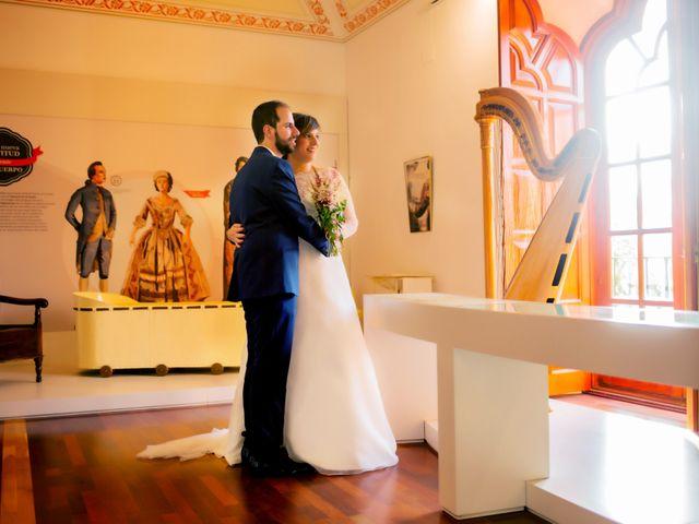 La boda de Juan Jose y Miriam en Villafranca De Los Barros, Badajoz 26