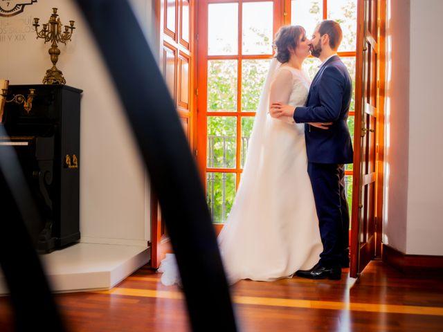 La boda de Juan Jose y Miriam en Villafranca De Los Barros, Badajoz 27