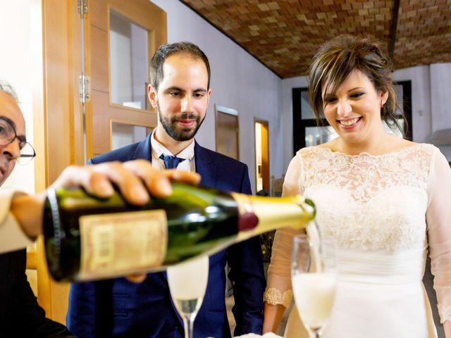 La boda de Juan Jose y Miriam en Villafranca De Los Barros, Badajoz 29