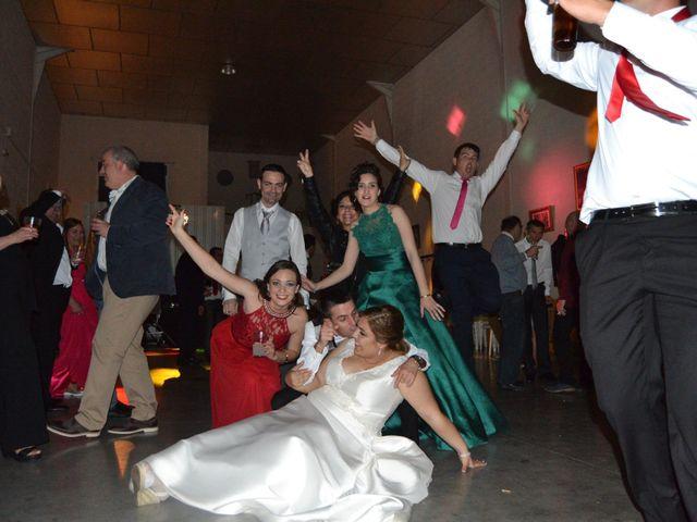 La boda de Antonio y Mª Angeles en Montalban De Cordoba, Córdoba 24