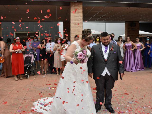 La boda de Tomas  y Merche  en Polinyà De Xúquer, Valencia 5