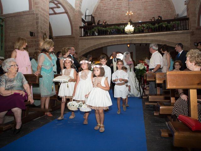 La boda de Luis y Conchi en Jaén, Jaén 17