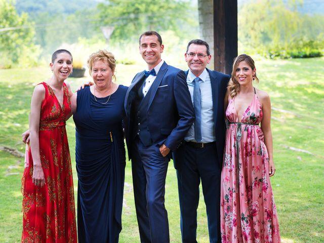 La boda de Marc y Mariona en La Vall De Bianya, Girona 42