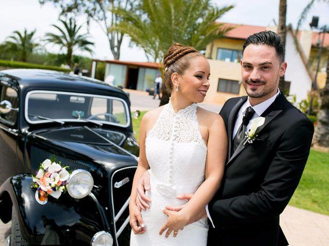 La boda de Carlos y Zuly en Valencia, Valencia 13