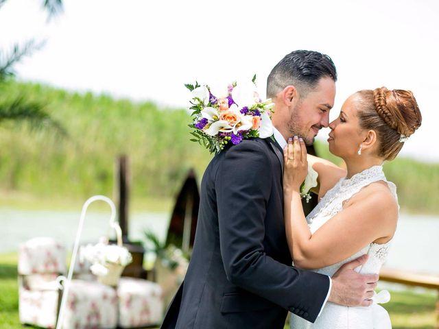 La boda de Carlos y Zuly en Valencia, Valencia 15