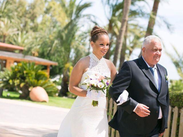 La boda de Carlos y Zuly en Valencia, Valencia 21
