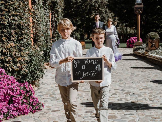La boda de Carlos y Marta en Torremocha Del Jarama, Madrid 75