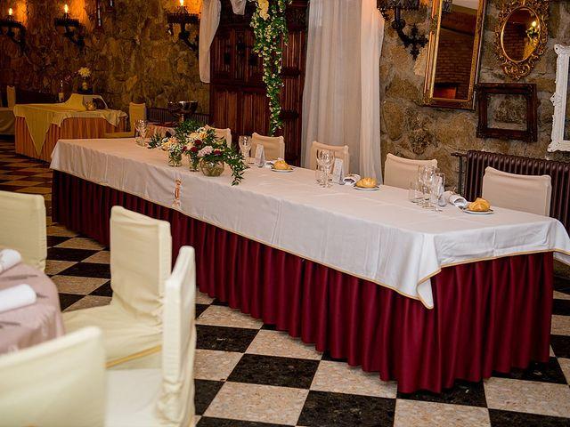 La boda de Antonio y Laura en Olias Del Rey, Toledo 33