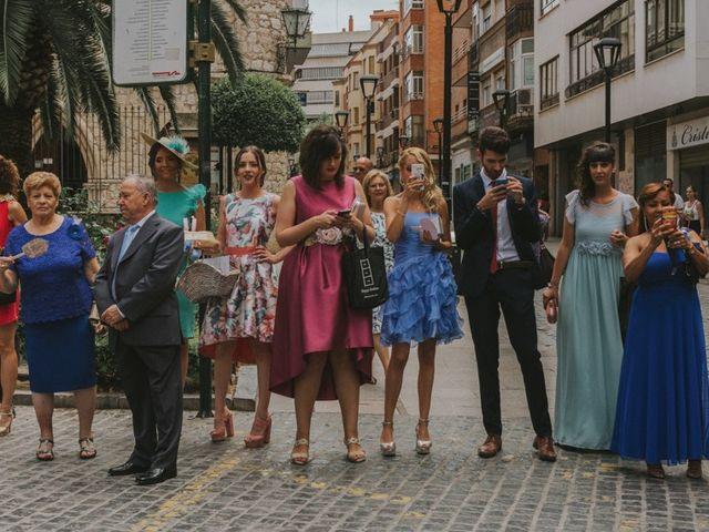 La boda de Alberto y Ana Belén en Ballesteros De Calatrava, Ciudad Real 30