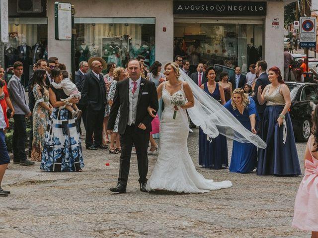 La boda de Alberto y Ana Belén en Ballesteros De Calatrava, Ciudad Real 32