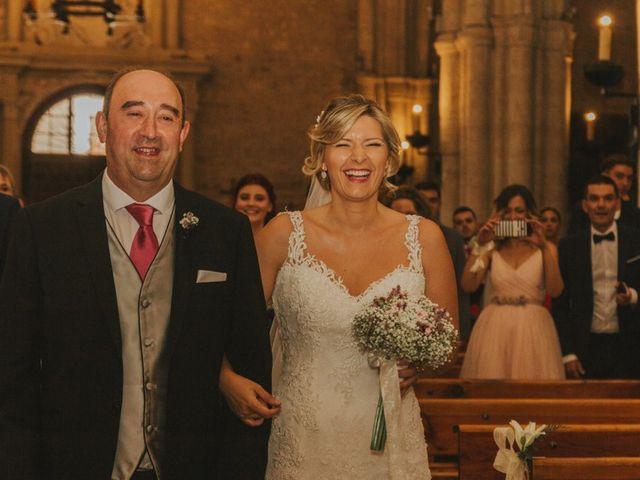La boda de Alberto y Ana Belén en Ballesteros De Calatrava, Ciudad Real 36