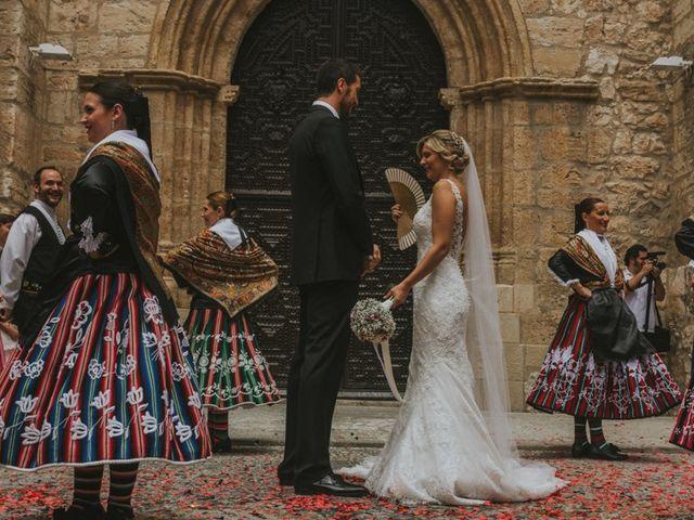La boda de Alberto y Ana Belén en Ballesteros De Calatrava, Ciudad Real 42