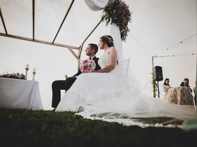 La boda de Nuria y Manuel en Caracuel De Calatrava, Ciudad Real 28