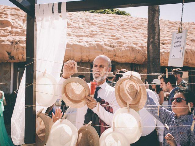La boda de Manuel y Cecilia en Los Caños De Meca, Cádiz 11