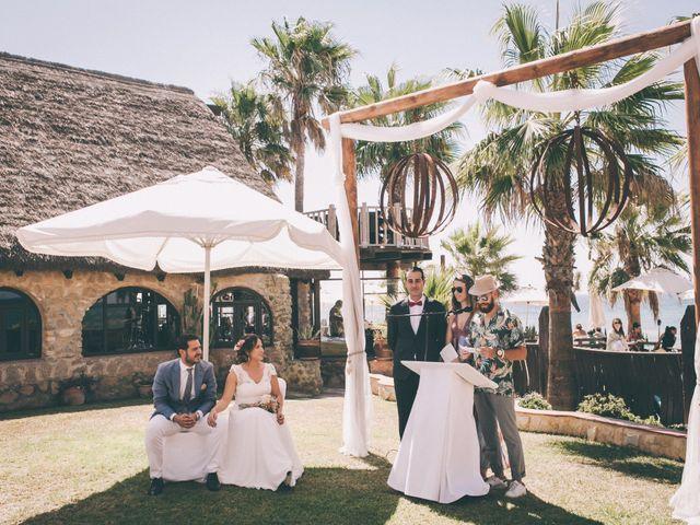 La boda de Manuel y Cecilia en Los Caños De Meca, Cádiz 27